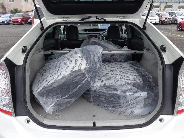 トヨタ プリウス Gツーリングセレクションレザーパッケージ 横滑り防止