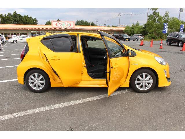 修復歴の有無は2重チェック。仕入時に当社プロスタッフが確認し、その後外部査定機関の検査員により最終チェックを行っています。修復歴の有るお車については、どこの部位が修正・交換されているのかを明示します