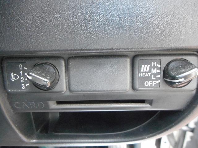 日産 キャラバン ロングDX 4WD アルミホイール付