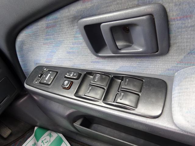 ダブルキャブ 4WD リフトアップ オーバーフェンダー(16枚目)
