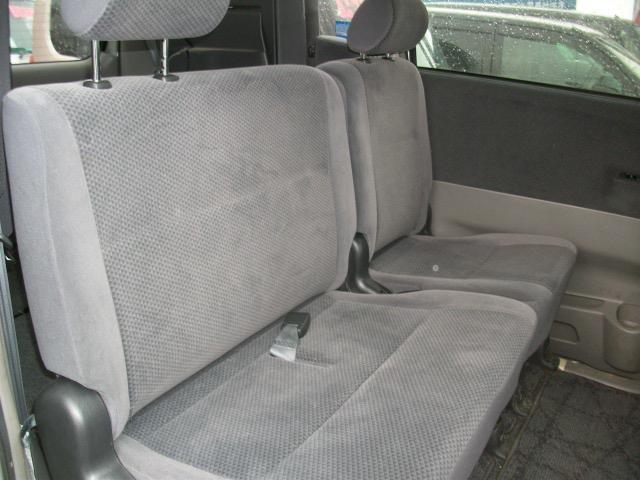 トヨタ ヴォクシー X 4WD コラムオートマ リア両側スライドドア