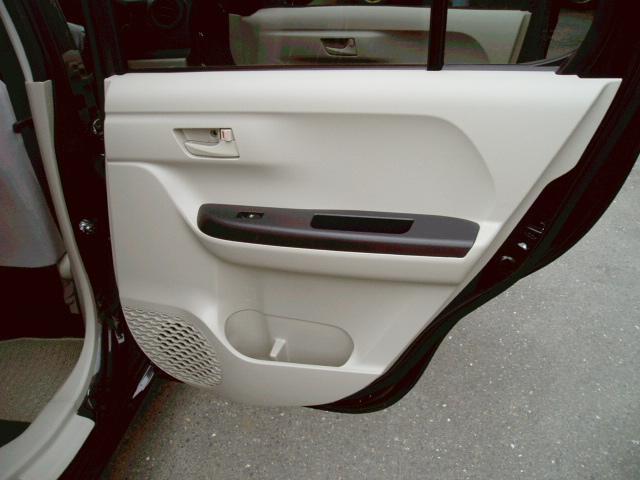 X LパッケージS 4WD ローダウン 16インチアルミ(13枚目)