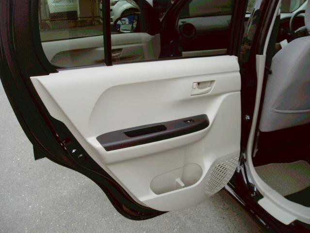 X LパッケージS 4WD ローダウン 16インチアルミ(19枚目)