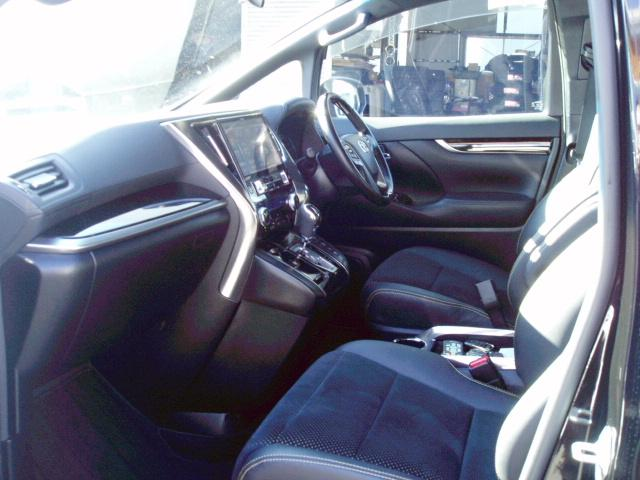 2.5Z Aエディション ゴールデンアイズ 4WD ワンオーナー車 11型ナビ(9枚目)