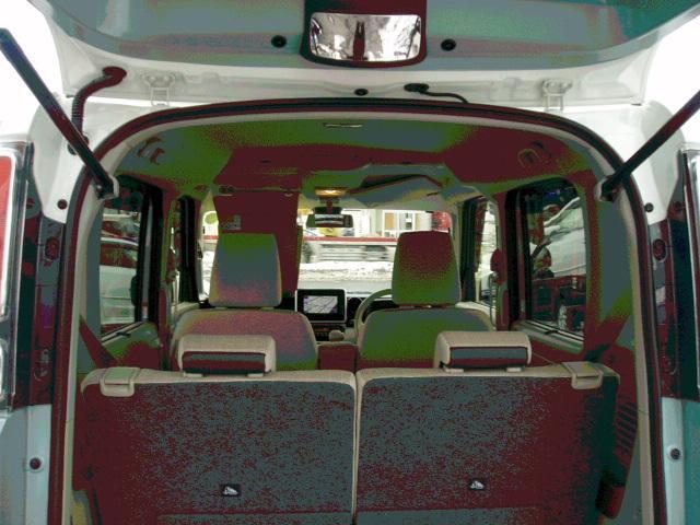 ハイブリッドX 4WD ツートンルーフ LEDライト(15枚目)