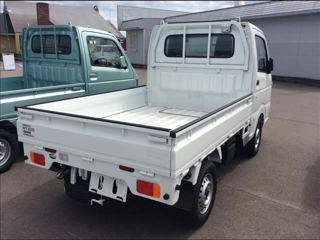 日産 NT100クリッパートラック DX 農繁仕様 ACPS付 5F 4WD 登録済未使用車