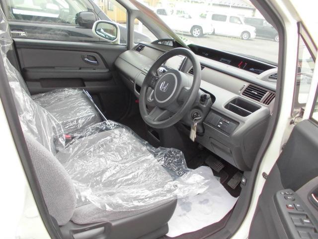 ホンダ ステップワゴン Gタイプ 4WD 左側電動スライドドア HDDナビ キーレス