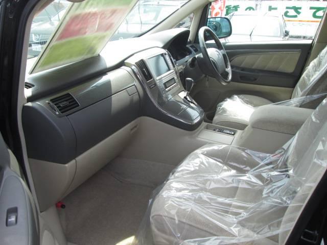トヨタ アルファードハイブリッド Gエディション 4WD 両側パワースライドドア