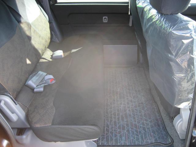 G Sパッケージ 4WD コラムAT 3列シート 禁煙(6枚目)
