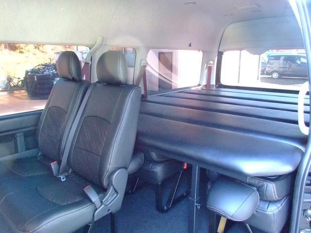 トヨタ ハイエースコミューター 3.0 GL ディーゼルターボ 福祉車 ベッドKIT