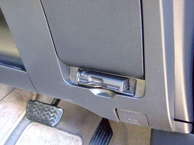 トヨタ ラクティス X Lパッケージ 4WD 社外DVDナビ ETC 16AW