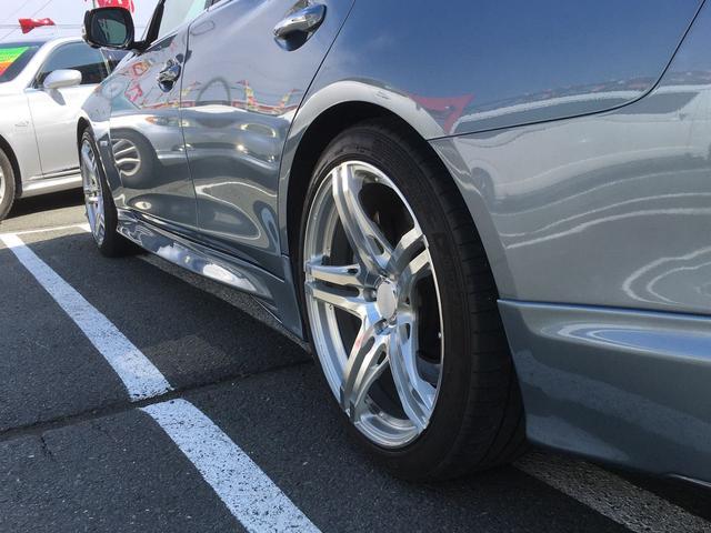 LEDヘッドライト フロントリップ部の塗装色はR32GT-Rと同じガングレーメタリックを使用してます。当社板金塗装部門の粋な計らいです。