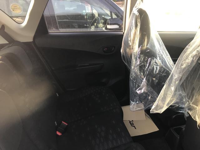X ナビ バックカメラ 4WD ETC ミニバン 5名乗り(7枚目)