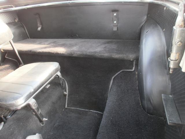 ダットサンフェアレディ SP310 3人乗り 車庫保管(9枚目)