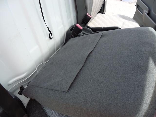 スズキ キャリイトラック 新品タイヤ 4WD 5速マニュアル 新品荷台マット ラジオ