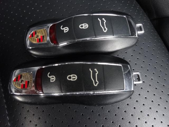 ティプトロニックSスポーツクロノ4WD 22インチアルミ(20枚目)