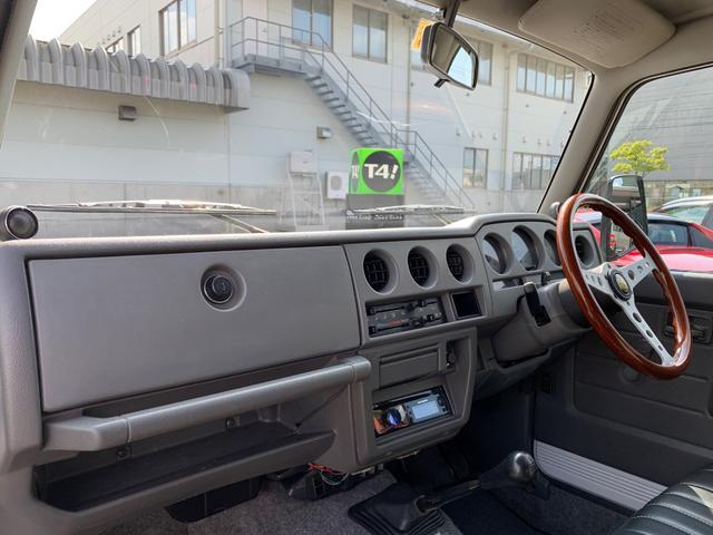 ランドベンチャー 4WD エンジンОH済 リフトアップ 5速マニュアル 記録簿 M/Tタイヤ F&Rクロカンバンパー ルーフキャリア 黒革調シートカバー MOMOステアリング ノックスドール施工済 16インチAW(2枚目)