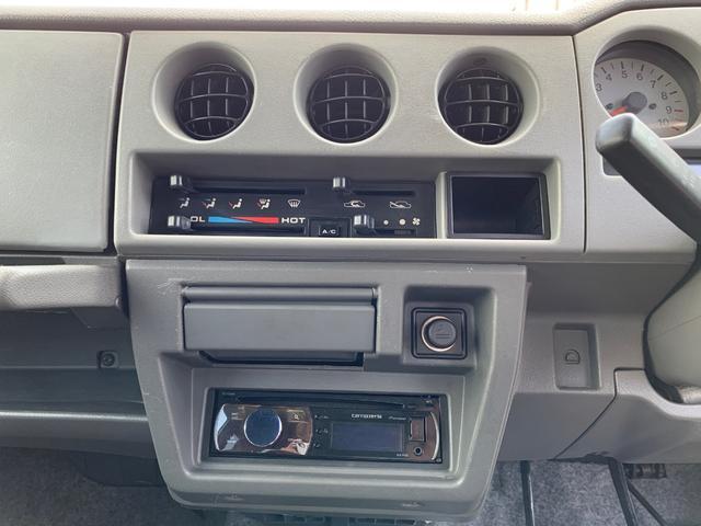 ランドベンチャー 4WD エンジンОH済 リフトアップ 5速マニュアル 記録簿 M/Tタイヤ F&Rクロカンバンパー ルーフキャリア 黒革調シートカバー MOMOステアリング ノックスドール施工済 16インチAW(5枚目)