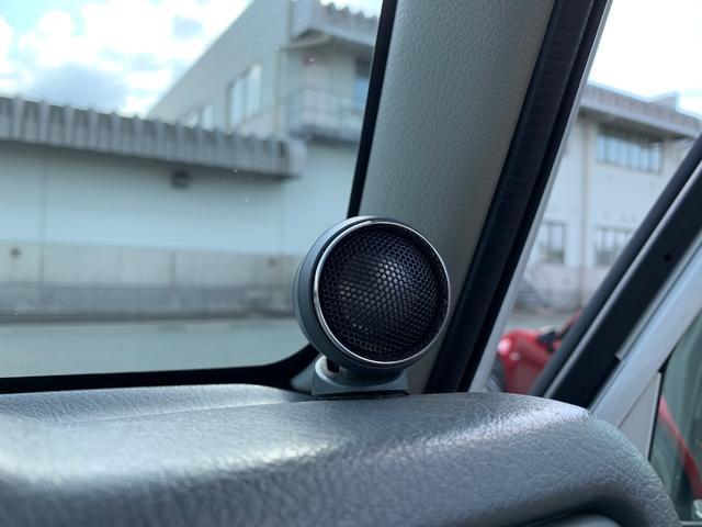 ランドベンチャー 4WD エンジンОH済 リフトアップ 5速マニュアル 記録簿 M/Tタイヤ F&Rクロカンバンパー ルーフキャリア 黒革調シートカバー MOMOステアリング ノックスドール施工済 16インチAW(9枚目)