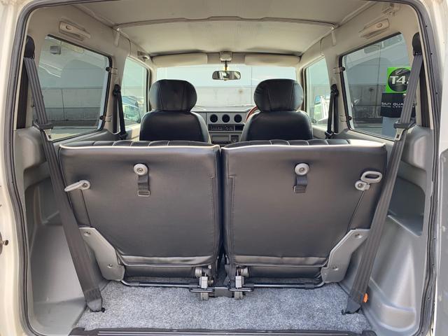 ランドベンチャー 4WD エンジンОH済 リフトアップ 5速マニュアル 記録簿 M/Tタイヤ F&Rクロカンバンパー ルーフキャリア 黒革調シートカバー MOMOステアリング ノックスドール施工済 16インチAW(18枚目)
