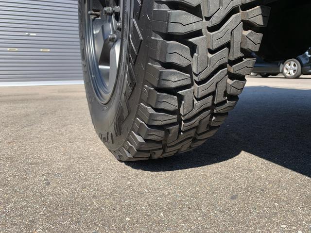 ランドベンチャー 4WD エンジンОH済 リフトアップ 5速マニュアル 記録簿 M/Tタイヤ F&Rクロカンバンパー ルーフキャリア 黒革調シートカバー MOMOステアリング ノックスドール施工済 16インチAW(31枚目)