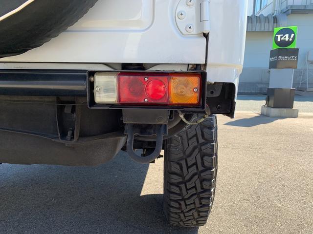 ランドベンチャー 4WD エンジンОH済 リフトアップ 5速マニュアル 記録簿 M/Tタイヤ F&Rクロカンバンパー ルーフキャリア 黒革調シートカバー MOMOステアリング ノックスドール施工済 16インチAW(43枚目)