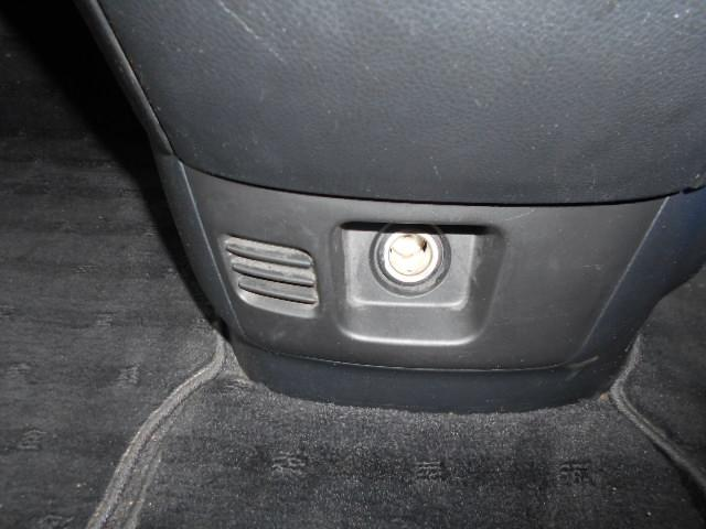 シュガライターのソケット付です。スマホの充電も可能です。