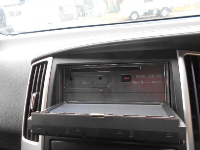CD再生、DVD再生、CDの録音も可能です。