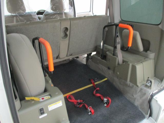 スローパー 4WD 車いすスローパ車両 ウインチ付 福祉車両(10枚目)