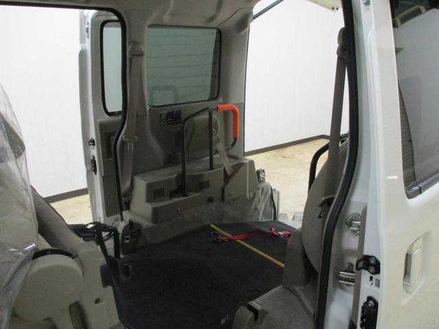 スローパー 4WD 車いすスローパ車両 ウインチ付 福祉車両(18枚目)
