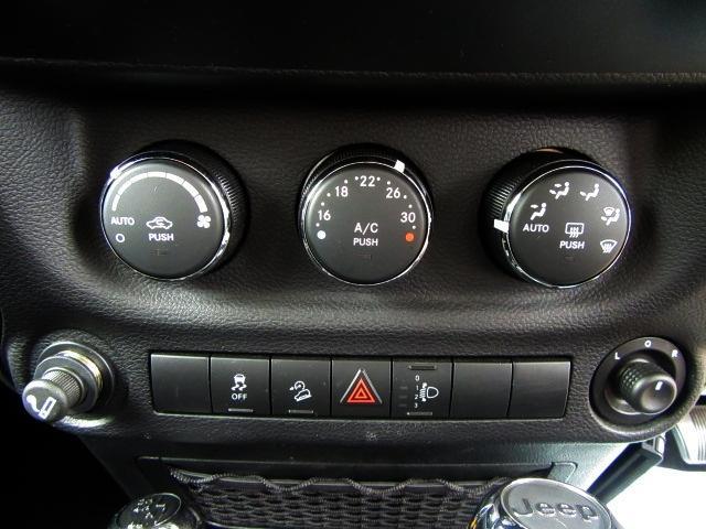 クライスラー・ジープ クライスラージープ ラングラーアンリミテッド スポーツ 4WD 左サイド&バックカメラ ETC レーダー