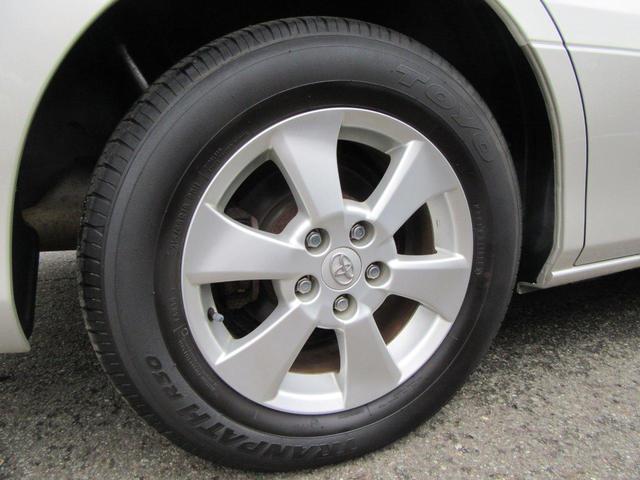 シンプルな純正16インチのアルミホイールです。サマータイヤ・スタッドレスタイヤがございます。