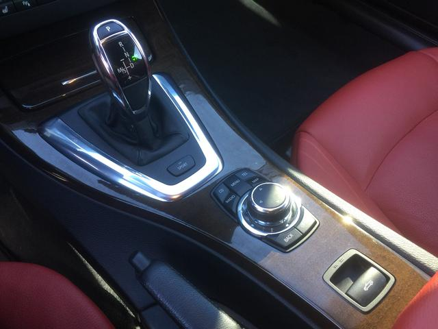 BMW BMW 335iカブリオレ 左H 赤革 7速DCT HDDナビ