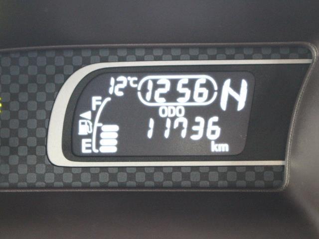 トヨタ スペイド F クイーン