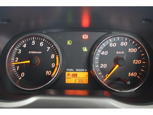 カスタムL 4WD 5MT CDチューナー キーレス(9枚目)