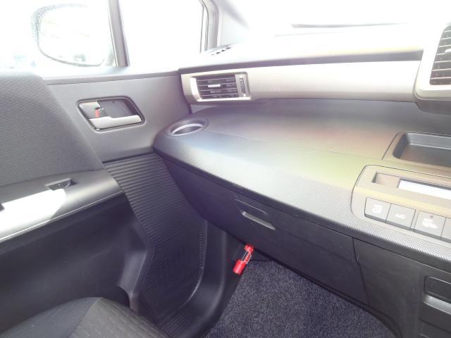 ホンダ フリードスパイク G 4WD フルセグ対応HDDナビ 社外15AW タイヤ新品
