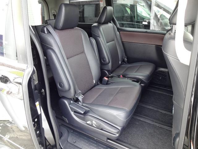 Gi 4WD 両側電動スライドドア 純正レザーシート 純正フルエアロ フルセグ対応9インチ純正SDナビ 純正フリップダウンモニター 社外16インチアルミ LEDヘッドライト スマートキー ETC車載器(19枚目)