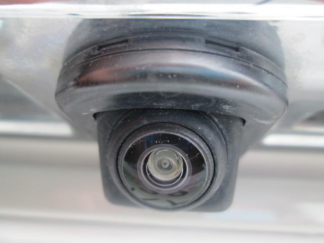 リミテッド 4WD アイサイトVer.3 黒革パワーシート STiフロントアスポイラー パナソニック製フルセグ対応8型SDナビ バックカメラ コーナーセンサー 純正18AW スマートキー(エンジンスタート機能)(7枚目)