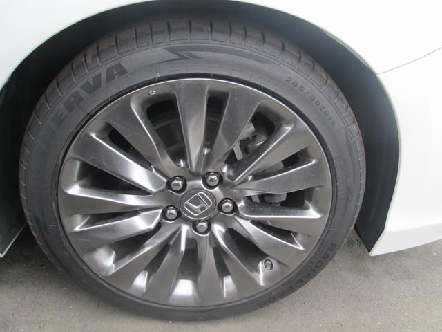 ベースグレード ベースグレード 4WD ホンダセンシング サンルーフ 黒革パワーシート フルセグ対応純正インターナビ KREELプレミアムサウンド 全方位カメラ 純正ドライブレコーダー 純正19AW 夏タイヤ新品(16枚目)
