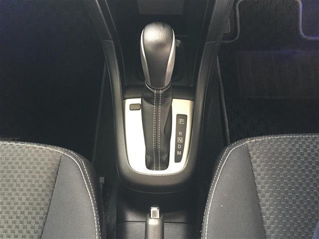 RS ワンオーナー/4WD/ナビTV/バックカメラ/ビルトインETC/クルーズコントール/横滑り防止装置/シートヒーター/ステアリングスイッチ(11枚目)