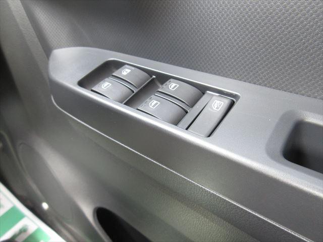 F 4WD バックカメラ キーレス アイドリングストップ(11枚目)