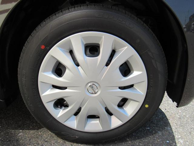 S 4WD キーレスエントリー シートヒーター 電動格納ミラー 後席両側スライドドア 衝突軽減ブレーキ(8枚目)