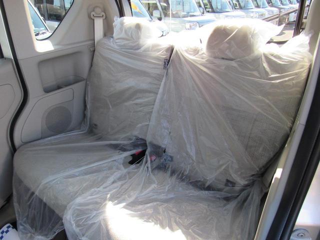 S 4WD キーレスエントリー シートヒーター 電動格納ミラー 後席両側スライドドア 衝突軽減ブレーキ(13枚目)