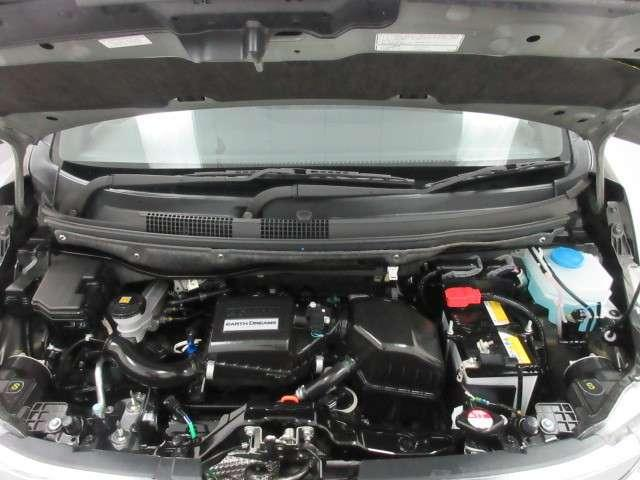 エンジンルーム&室内ルームともにクリーニング済みで清潔です。快適なドライブをお楽しみください。