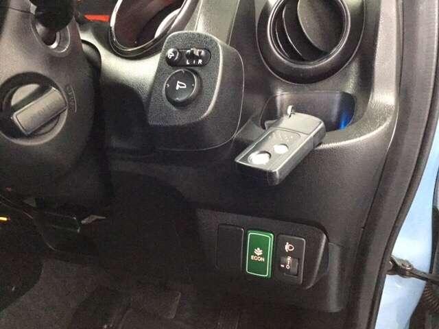 スマートキー付きですからドアの開閉およびエンジンスタートが楽々です。