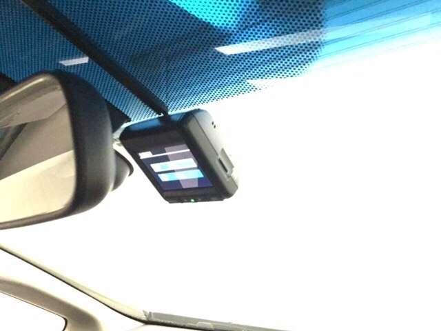 ドライブレコーダーが前方の監視をしてくれます。いざと言うときにお役に立ちます。