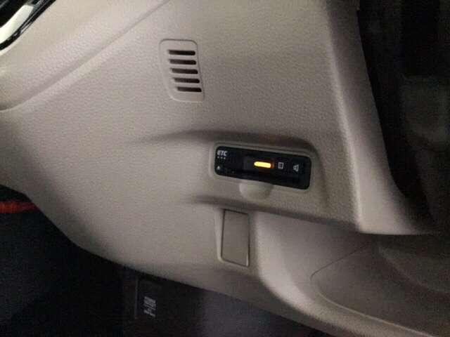 G・EXホンダセンシング クルコン フルセグTV LEDライト CD ナビTV Bカメラ 1オーナー ETC 禁煙車 メモリーナビ アイドリングストップ キーレス 盗難防止システム ABS DVD再生 スマキー 軽減ブレーキ(13枚目)