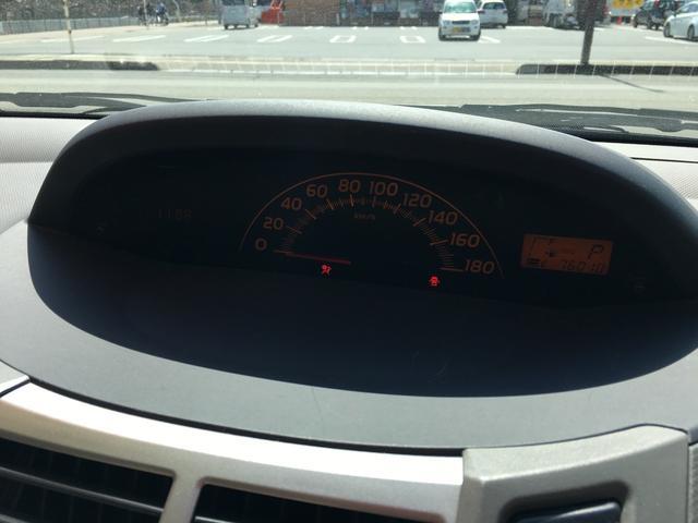 トヨタ ヴィッツ Fリミテッド 衝突安全ボディ CD AUX HID