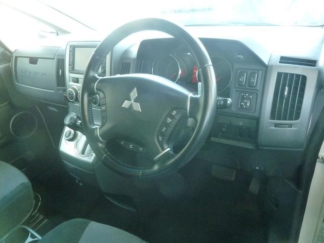 ローデスト Gナビパッケージ 4WD フリップダウンモニター(12枚目)