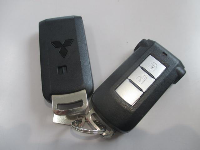 カスタムT インタークーラーターボ4WD 純正ナビゲーションシステム フルセグTVバックカメラ シートヒーター 両側パワースライドドア プッシュスタートエンジン 社外ETC 純正ディスチャージライト フォグランプ(25枚目)